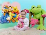 dziewczynka z zabawkami