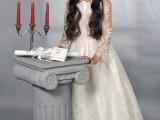 dziewczynka i świecznik