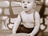 chłopiec z deskorolką