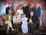 komunia święta zdjęcie rodzinne